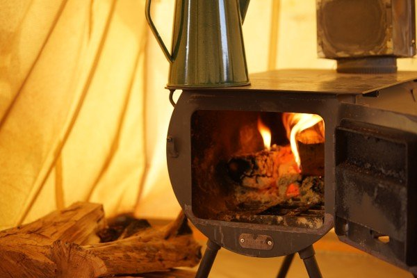 use wood stove inside tent